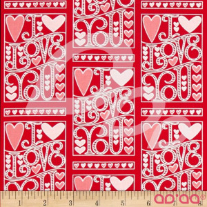 Tecido de Algodão Escrito 'I Love You', com Corações em Branco e Rosa com Fundo Vermelho