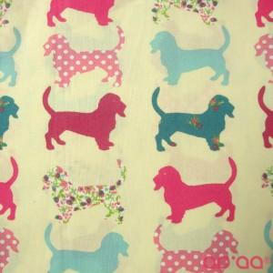Tecido de Algodão Cães em Rosa, Azul e Flores